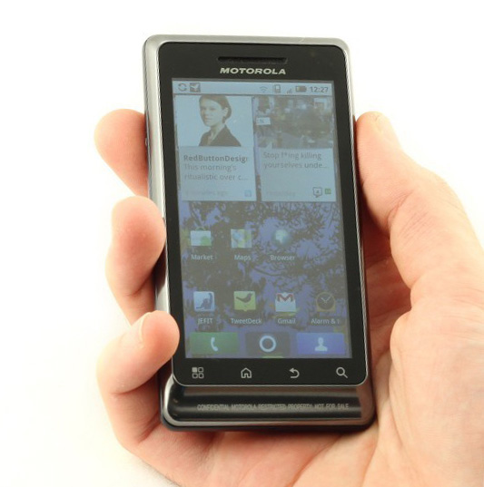 Motorola MILESTONE 2 in hands