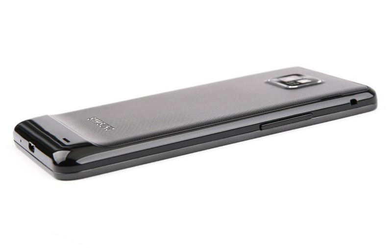 Samsung Galaxy S II сбоку