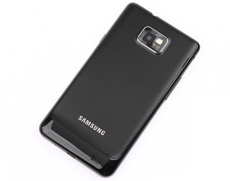 Samsung Galaxy S II сзади