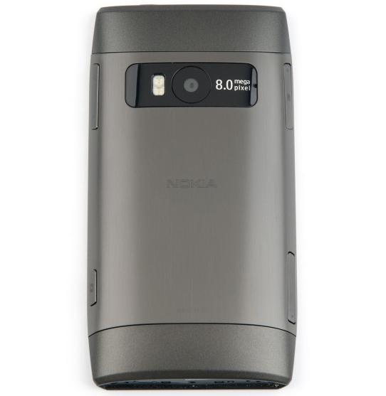 Nokia X7 сзади