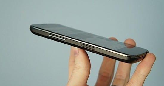 Nexus 4 сбоку
