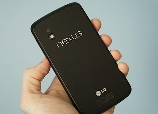 Nexus 4 сзади