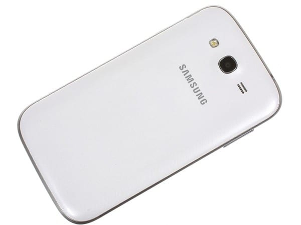 Samsung Galaxy Grand сзади