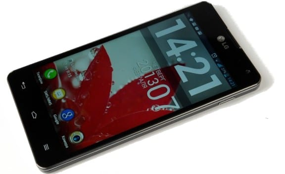 Обзор LG Optimus G - живые фото