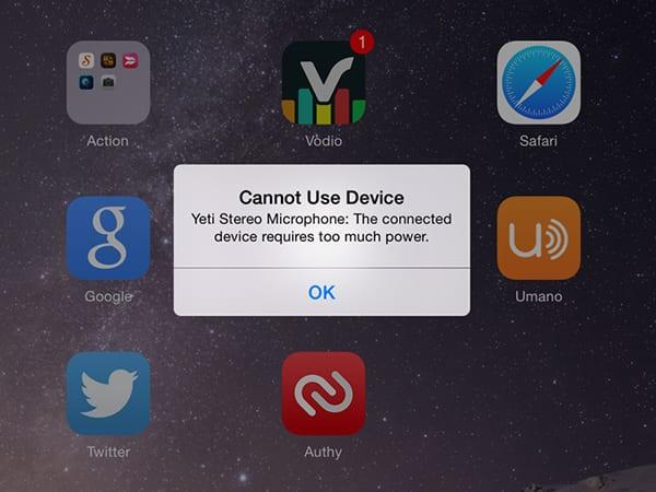 При подключении микрофона iOS выдаст ошибку