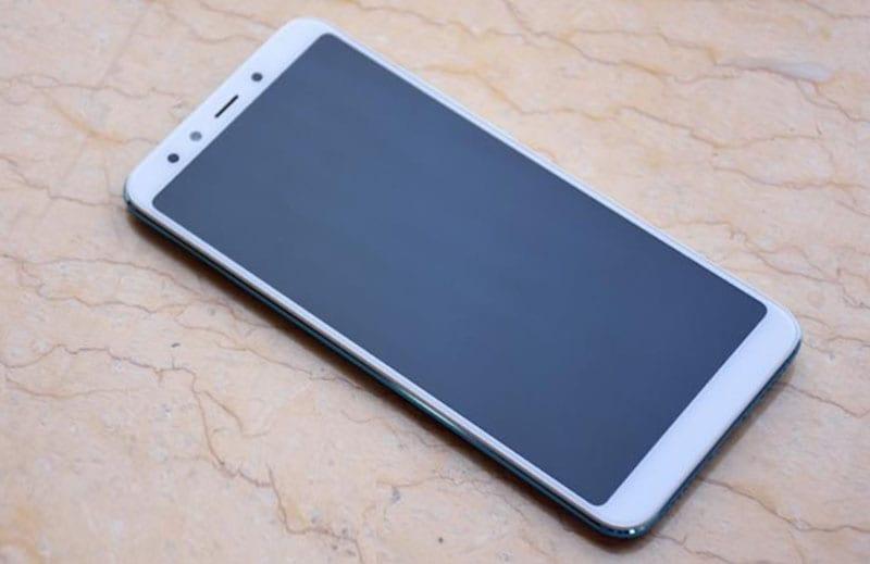 Вид спереди  Xiaomi Mi 6X